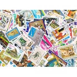 100 Francobolli mondiali differenti